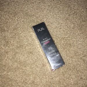 Brand New Pur 4-in-1 Stick Foundation